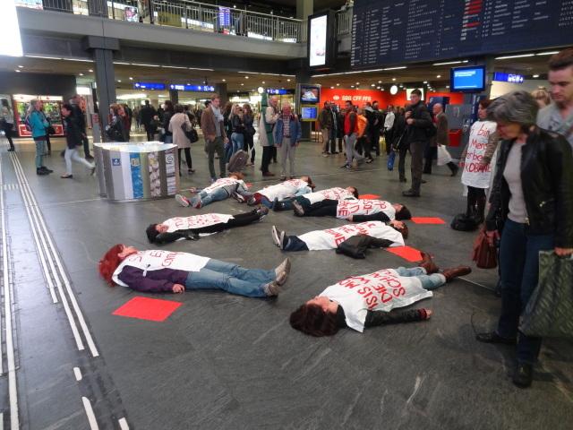 Flashmob Kobane Bahnhof