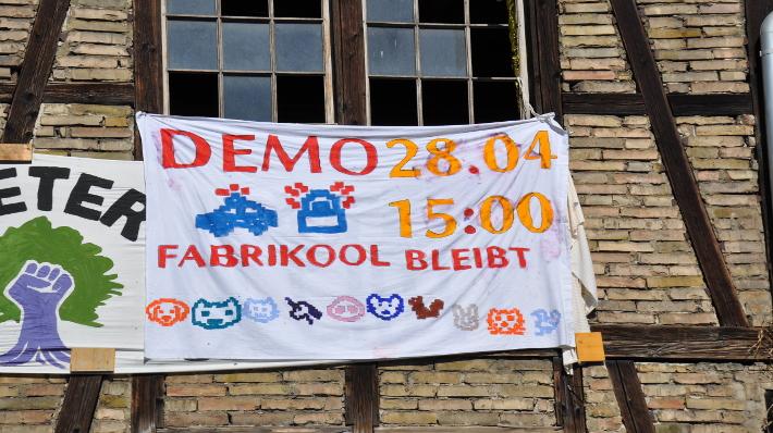 Demo für ein lebendiges Fabrikool