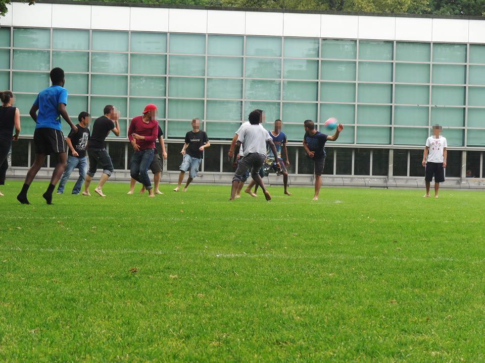 Solidarisches Fussballspielen (Nao Vai Ter Copa)