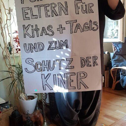 Plakataktion Solidarität mit Kitas