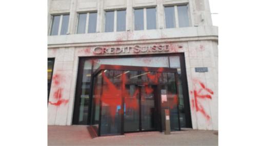 Farbanschlag Credit Suisse Biel